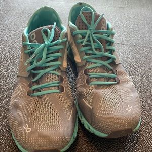 On Cloud sneakers gray/ mint green W 8